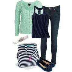 Green sweater outfit with Thirty One tote