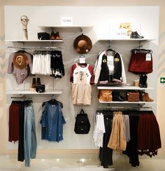 Update BTS Heritage Chile 2017 Clothing Store Interior, Clothing Store Displays, Clothing Store Design, Boutique Decor, Boutique Ideas, Boutique Design, Visual Merchandising Displays, Visual Display, Business Ideas For Ladies