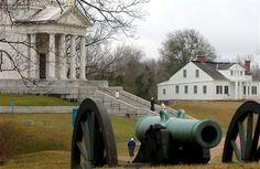 VICKSBURG, Warren Co. — Vicksburg National Military Park preserves the site of the American Civil War Battle of Vicksburg, waged from May 18 to July www.gov/vick/index. Vicksburg Mississippi, Oxford Mississippi, Places To Travel, Places To See, National Cemetery, Park Service, American Civil War, Historical Sites, That Way