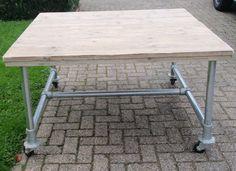 Tafel vierkant (140x140 cm) | Tafel met steigerbuis | stoerensfeervol