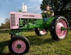 Pink & Green John Deere Tractor-because of being a busy farm wife I would love this! Old John Deere Tractors, Vintage Tractors, Vintage Farm, John Deere Equipment, Old Farm Equipment, Country Life, Country Girls, Pink Tractor, Farm Business
