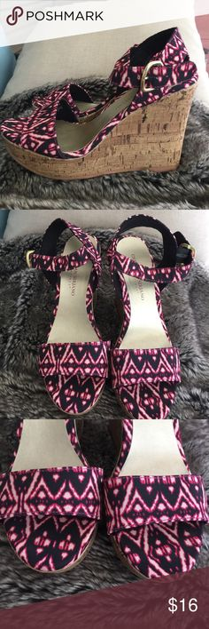 """Platform Sandals by Christian Siriano Sz 6 Perfect Very cool dark pink and black scrappy sandals with 4-5"""" high platform heel- these at shoes designer Christian Siriano made for Payless- size 6, I ship asap from my smoke free home! Christian Siriano Shoes Platforms"""