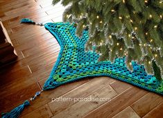 Free Crochet Pattern: Starlight Tree Skirt | Pattern Paradise