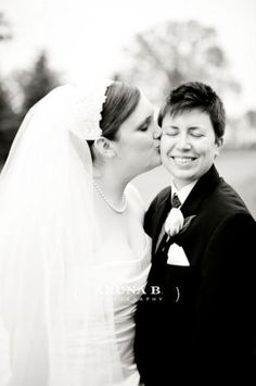 Lesbian Wedding - so cute!