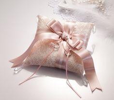 リングピロー〔ドラマティックリボン・ホワイト〕キット【リングピロー手作りキット&完成品通販シェリーマリエ】 Cushion Ring, Ring Pillow, Rose Gold Hair, Ring Bearer, Apple Products, Diy Wedding, Dance Shoes, Accessories, Weddings