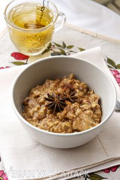 Almond Chai Oatmeal. I made this for breakfast today but used vanilla chai tea instead. SO GOOD!