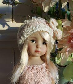 Dianna Effner manita querida muñeca del Knit del vestido y Little Darlings, Beret, Knit Dress, Hand Knitting, Crochet Hats, Hands, Dolls, Etsy, Dresses