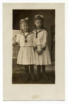 Ellen-Ruth and Marianne by josefnovak33 on Flickr.