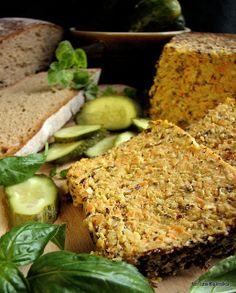 Pasztet z cieciorki - Vegantables Meals Antipasto, Meatloaf, Salmon Burgers, Avocado Toast, Tofu, Food And Drink, Appetizers, Healthy Recipes, Healthy Food