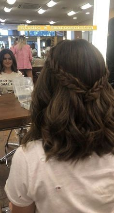 Super Quick and Easy Hairstyles for 2019 29 - Super Quick and Easy Hair. - Lea Schmitt - Super Quick and Easy Hairstyles for 2019 29 - Super Quick and Easy Hair. Super Quick and Easy Hairstyles for 2019 29 - Super Quick and Easy Hairstyles for 2019 Prom Hairstyles For Short Hair, Lob Hairstyle, Girl Short Hair, Hairstyle Ideas, Prom Hair Medium, Wedding Hairstyles, Lob Haircut, Short Girls, Hairstyles Men