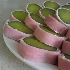 Cream Cheese Pickles - Like the best part of a sandwich.without the bread! Here, fresh cream cheese pairs up with sour dills and deli beef. Yummy Appetizers, Yummy Snacks, Appetizer Recipes, Yummy Food, Dinner Recipes, Dip Recipes, Healthy Snacks, Recipies, Snack Recipes