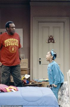 Hit series: A young Raven starred opposite Bill Cosby in the smash sitcom Raven Symone, The Cosby Show, Serie Tv, Bill Cosby, Three Year Olds, Movies Showing, Photoshoot, Actresses, Free