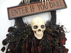 Halloween Wreath Skull #spookyspaces