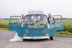 Hochzeitsshooting, Brautshooting, Paarshooting, Dänemark, Brautpaar, Regenhochzeit, Hochzeit im Charlottenhof Klanxbüll, VW Bulli