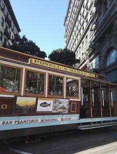 San Francisco on ehdottomasti yksi kauneimmista ja kiinnostavimmista kaupungeista Yhdysvalloissa ja maailmassa. Värikäs kulttuuri, ystävälliset ihmiset, kauniit maisemat ja ikoniset nähtävyydet valloittavat! Lisää tunnelmia blogissa! // San Francisco is for sure one the prettiest and most interesting cities the Usa and in the World. Colourful culture, friendly people, beautiful sceneries and iconic sights are worth experiencing! #sanfrancisco #california #usa #sanfran #sf #travel San Francisco California, California Usa, City Photography, Travel Goals, Travel Usa, Travel Inspiration, United States, America, Lifestyle