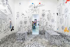 Ira Koers y Roelof Mulder han sido encargados para diseñar la exhibición del ilustrador holandés Sieb Posthuma bajo el nombre 'Un charco lleno de...
