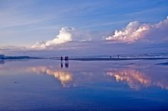 Cox's Bazar  is a town, a fishing port and district headquarters in Bangladesh. It is one of the world's longest uninterrupted natural sandy sea beaches,The beach in Cox's Bazar is an unbroken 125 km sandy sea beach with a gentle slope. It is located 150 km south of the industrial port Chittagong. Banhladesh.