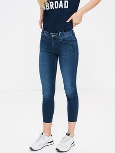 MOTHER DENIM | Double Fray Charmer Crop