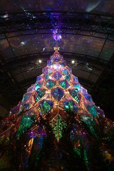 Winter Christmas, Christmas Lights, Christmas Decorations, Christmas Tree, Holiday Decor, Light Girls, Mirror Shapes, Light Installation, Fantasy Inspiration