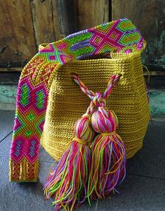 Morral Maya de Otomiartesanal Micro Macramé, Boho Bags, Tapestry Crochet, Crochet Home, Embroidery Techniques, Knitted Bags, Yarn Crafts, Hand Knitting, Hand Weaving