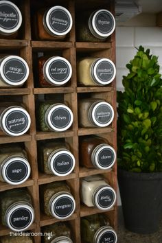 Free spice-organization jar labels by @Amy Lyons Huntley (TheIdeaRoom.net)