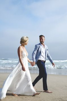 Intimate Oceanside Wedding | SouthBound Bride | http://southboundbride.com/intimate-oceanside-wedding-at-noetzie-beach-by-alfred-lor | Credit: Alfred Lor