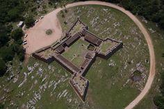 YannArthusBertrand.org . Fort de San Miguel, Département de Rocha, République Orientale de l'Uruguay (33°42'S - 53°31'O).