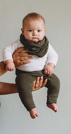 ♥ This super sweet unisex set of leggings and Infinity scarf is great for newborns , babies and toddlers! It is stylish for your baby and makes a great gift that anyone can be proud to give to a lucky mom and baby! ♥ #babyboyclothes #babystyle #babyfashion #leggingsandscarf #babyshowergift