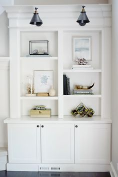 Shelf styling, bookcases, built-ins, family room ideas bookcase styling, bo Bookshelf Styling, Bookshelves Built In, Bookcases, Classic Bookshelves, Bookshelf Decorating, Traditional Bookshelves, Bookshelf Lighting, Built In Shelves Living Room, Library Lighting