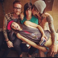 the singer circle ! with Kellin Quinn from Sleeping With Sirens, Vic Fuentes from Pierce the Veil, Matty Mullins from Memphis May Fire, and Beau Bokan <3