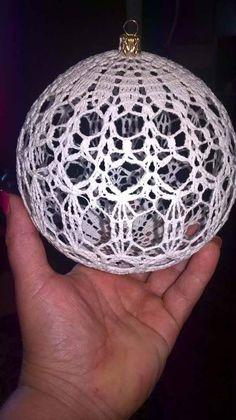 Christmas Diy, Crochet Christmas, Christmas Bulbs, Christmas Stuff, Crochet Crafts, Knit Crochet, Diy Crafts, Tatting Patterns, Crochet Patterns