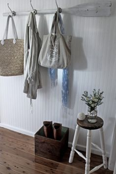 decorate with oars