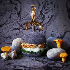 Some of the latest #burger creations from the food loving #French Graphic #designers  Fat & Furious -  http://www.finedininglovers.com/blog/out-of-the-blue/burger-art-fat-furious/