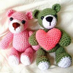 42 mejores im 225 genes sobre osos en san valent 237 n Crochet Bear, Crochet Animals, Diy Crochet, Crochet Dolls, Bear Valentines, Soft Dolls, Learn To Crochet, Amigurumi Doll, Free Pattern