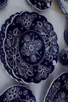 Zdieľané s Blue Monday Heart Of Europe, Online Image Editor, Blue And White, Tableware, Handmade, European Countries, Czech Republic, Folk, Patterns