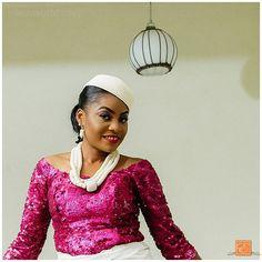 Lovely @jessica_okenwa  #bride  #bridalportrait #tr  #traditional #engagement #lagoswedding  #lagosweddingphotographer #eikonworld #beautiful  MUA : @sojulogemakeover
