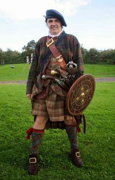 Authentic 18th Century Scottish Clothing | http://www.pinterest.com/pin/552816922981724204/;