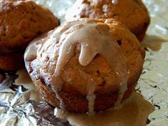 The Cyclist's Wife: Pumpkin Banana Muffins with Cinnamon Glaze