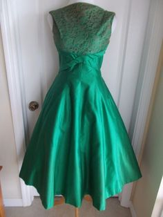 vintage 50s satin lace stunning party dress full skirt bows lucy audrey day
