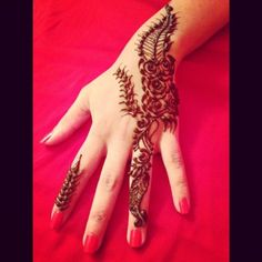 39 Brilliant Mehndi Designs for Fingers That You Can Get For a Simple Look - Mehndi YoYo Finger Mehndi Style, Mehndi Designs For Fingers, Hand Henna, Hand Tattoos, Design Inspiration, Ring, Simple, Rings, Jewelry Rings