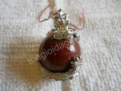 Rồng ôm cầu đá Chalcedony đỏ-Mặt dây chuyền đá Chalcedony phong thuỷ
