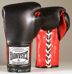 Original Deportes Casanova Sparring/Training Boxing Gloves - Black/Red