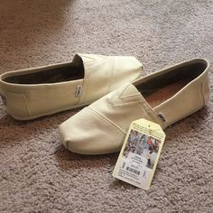 NWT Toms Men's Size 11 - Beige Brand new. Paid $50. Bag/box not included. TOMS Shoes Flats & Loafers
