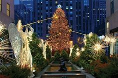 Christmas Events, New York Christmas, What Is Christmas, Christmas Photos, Rockefeller Center, Christmas Background, Christmas Wallpaper, Nyc Holidays, Viajes