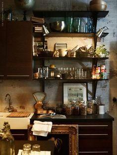 love this corner of this kitchen.