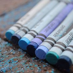 A mixed-up gradient in crayola blues.