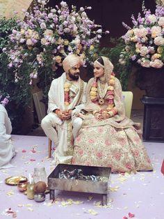 Bollywood actress Anushka Sharma and Viratkohali marriage pics