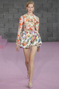 Emilia Wickstead Spring 2016 Ready-to-Wear Fashion Show. Printemps 2016 prêt-à-porter #mode #fashion