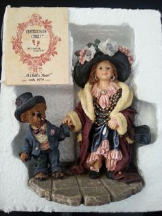 """Boyds Bear Dollstone Collection """"Yesterday's Child"""" 1998 """"Momma's Clothes"""" #3529"""