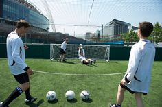 Michael Nardone @officialkeith @celspellman @paul_sculfor getting some practice in